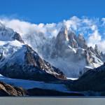Серо Торе с ледника и езерото Торе
