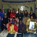 Учителската колегия в причудливи костюми
